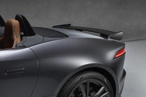 Jaguar F-Type SVR (18)