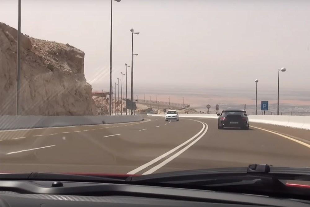 McLaren P1 vs Porsche 911 GT3 RS in Dubai