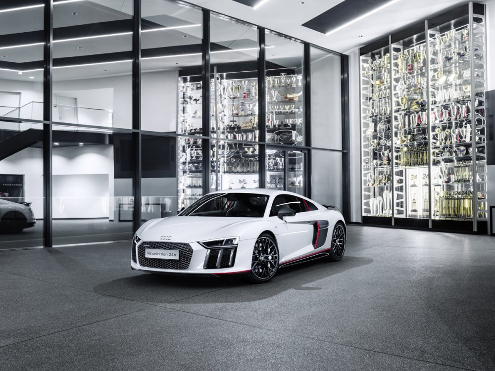 "Audi R8 V10 plus ""selection 24h"""