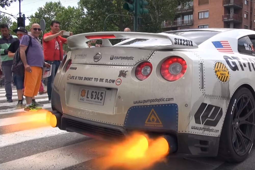Nissan GT-R Loud Exhaust Flames