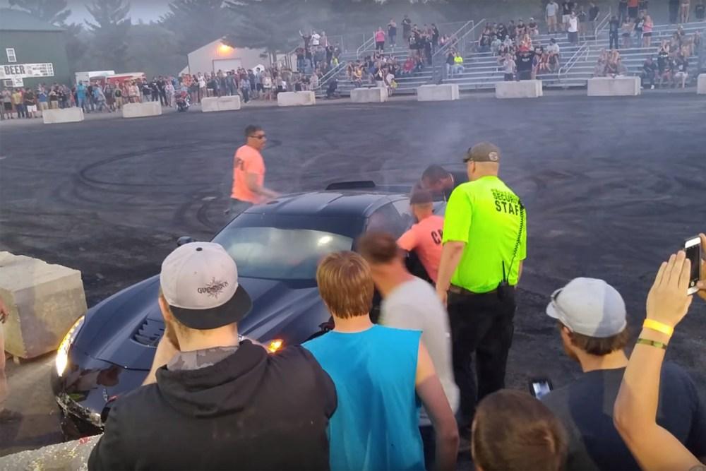 Friday FAIL: Chevrolet Corvette Z06 Crash Burnout