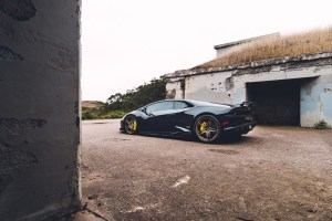 black-lamborghini-huracan-lp610-4-tuned-bronze-split-5-spoke-racing-wheels-rims-adv1-g