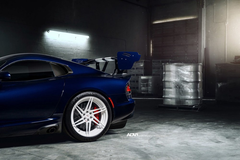 Dodge Viper ACR ADV06R M.V2 Competition Spec Wheels