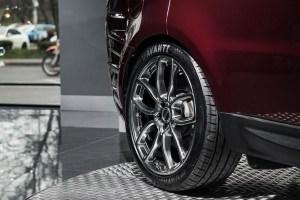 Mantalcino Red Project Kahn Range Rover Sport