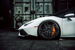 Lamborghini Huracán with ADV5.3 M.V2 CS Series Wheels