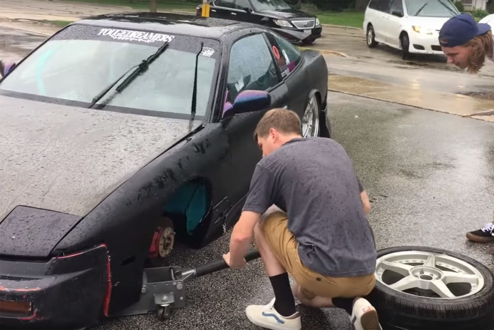 Nissan 240SX Wheel Falls Off