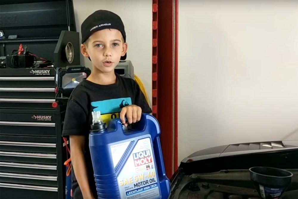 Kindergarten Mechanic Lamborghini Gallardo Oil Change