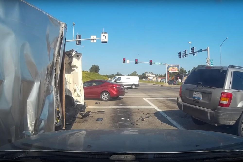 Friday FAIL: Lowe's Truck Runs Red Light