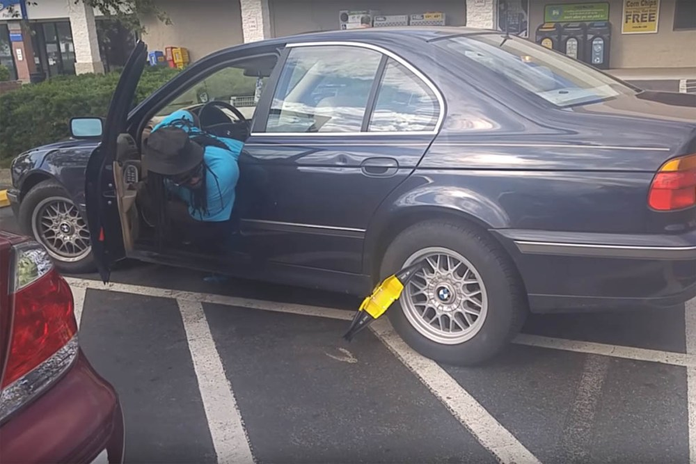 Friday FAIL Parking Boot BMW Drive Off