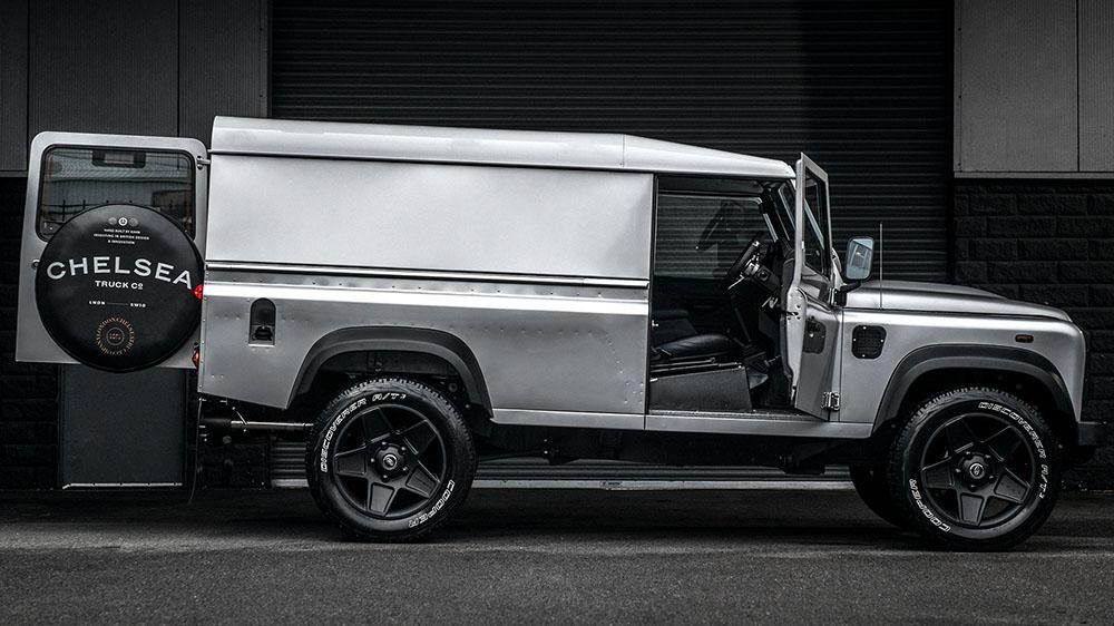 Chelsea Truck Company Silver Superhero Land Rover Defender
