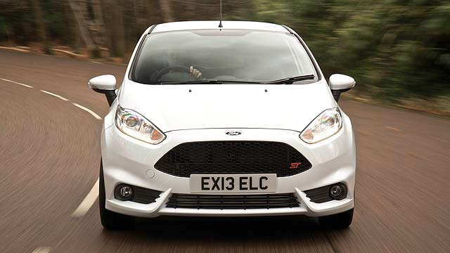2013_Ford_Fiesta_ST_(3)