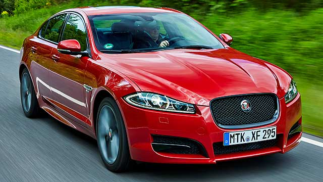 Jaguar_XF_R-Sport_Action_015