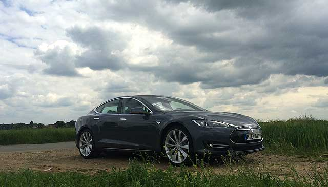 MR Tesla Model S Richard
