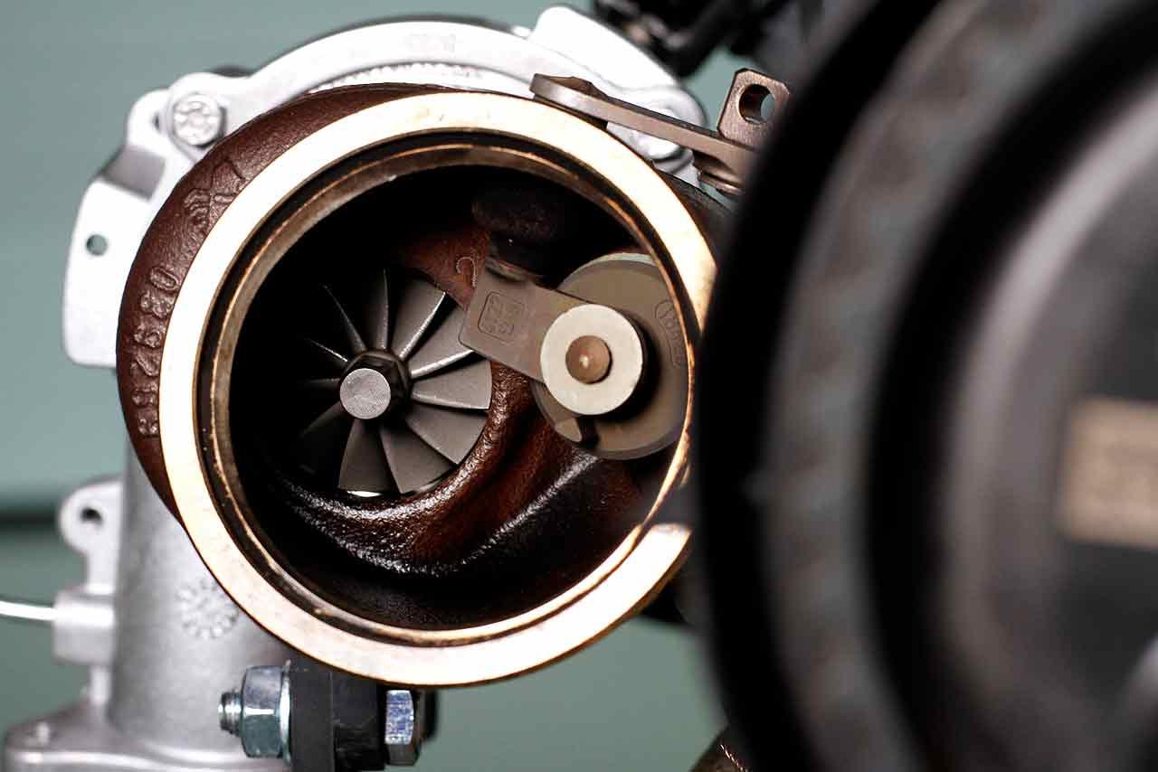 Volvo's 450hp 2.0-litre engine