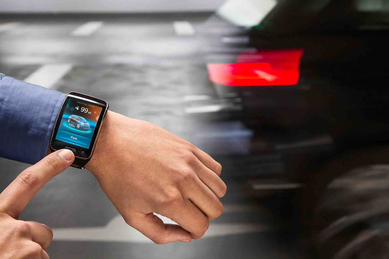 BMW car parking via smartwatch