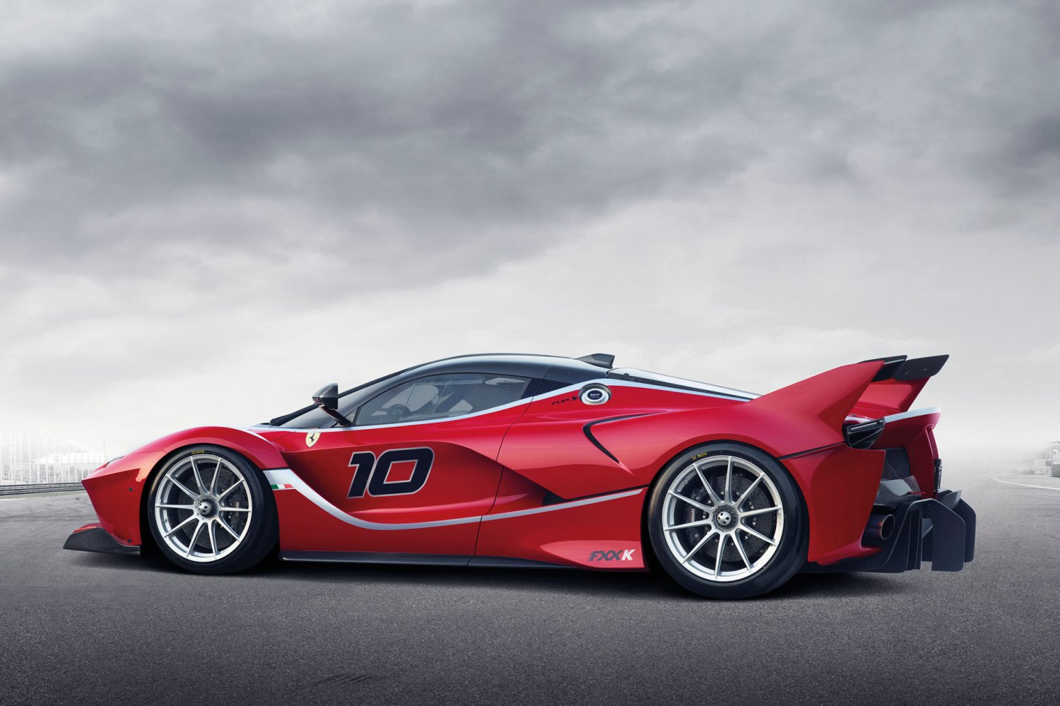 Ferrari announces 1,050hp FXX K