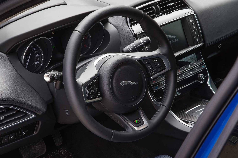 Jaguar XE 2015 prototype