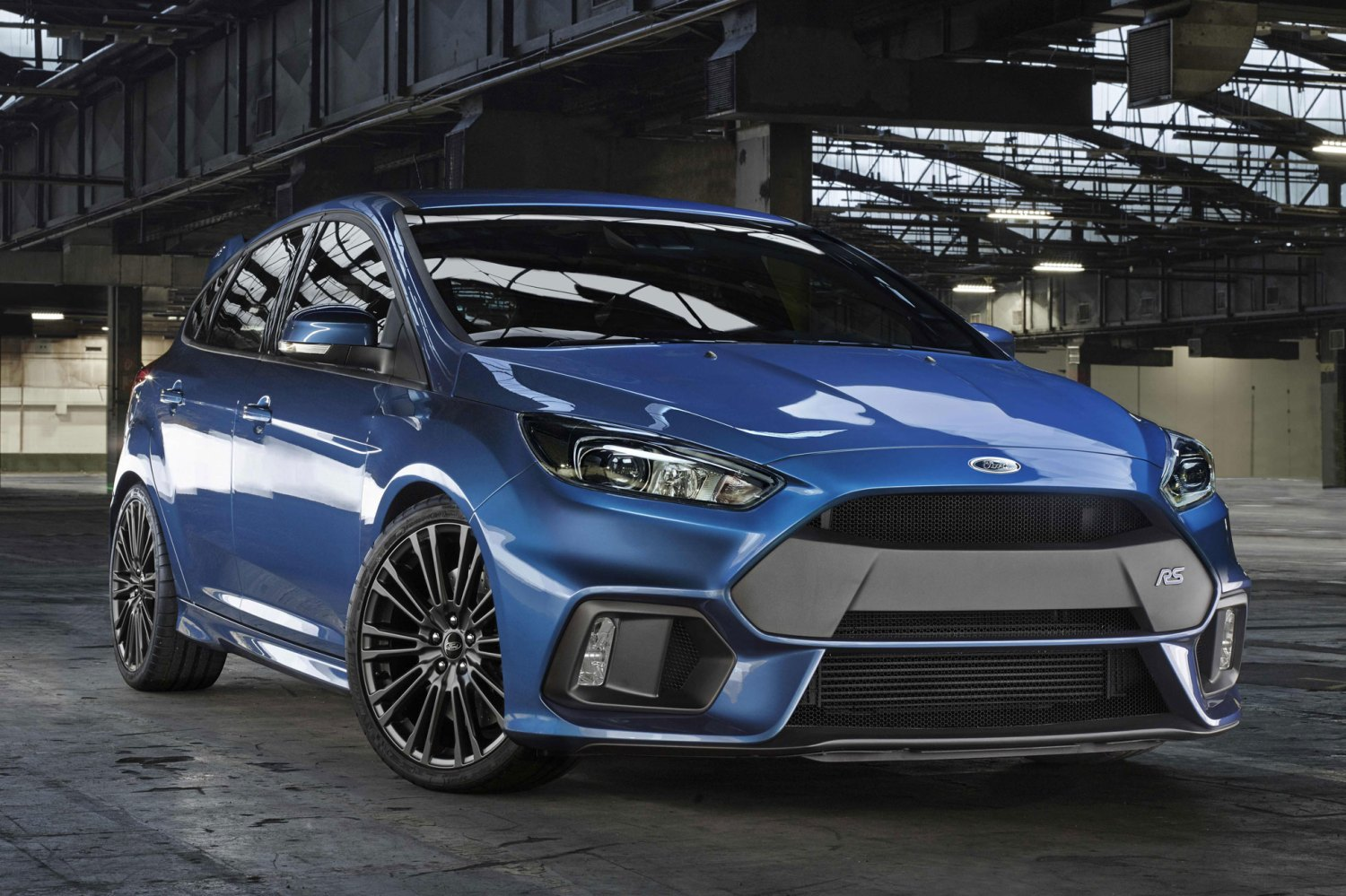 New Ford Focus RS revealed: 320hp AND 4WD!