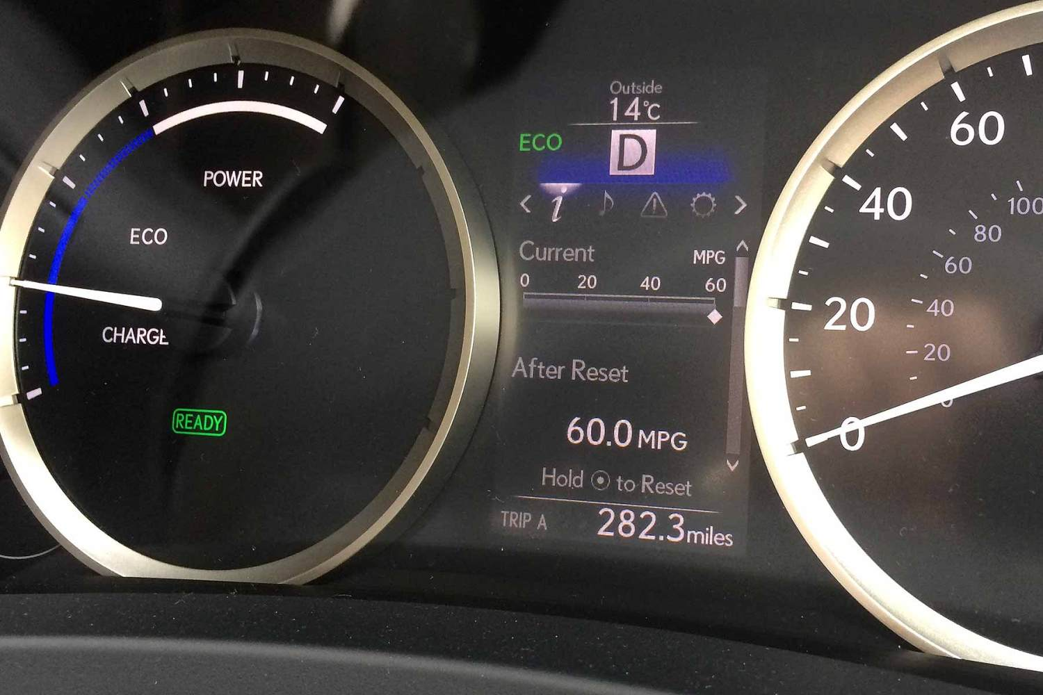 Lexus IS 300h long-term review month 5