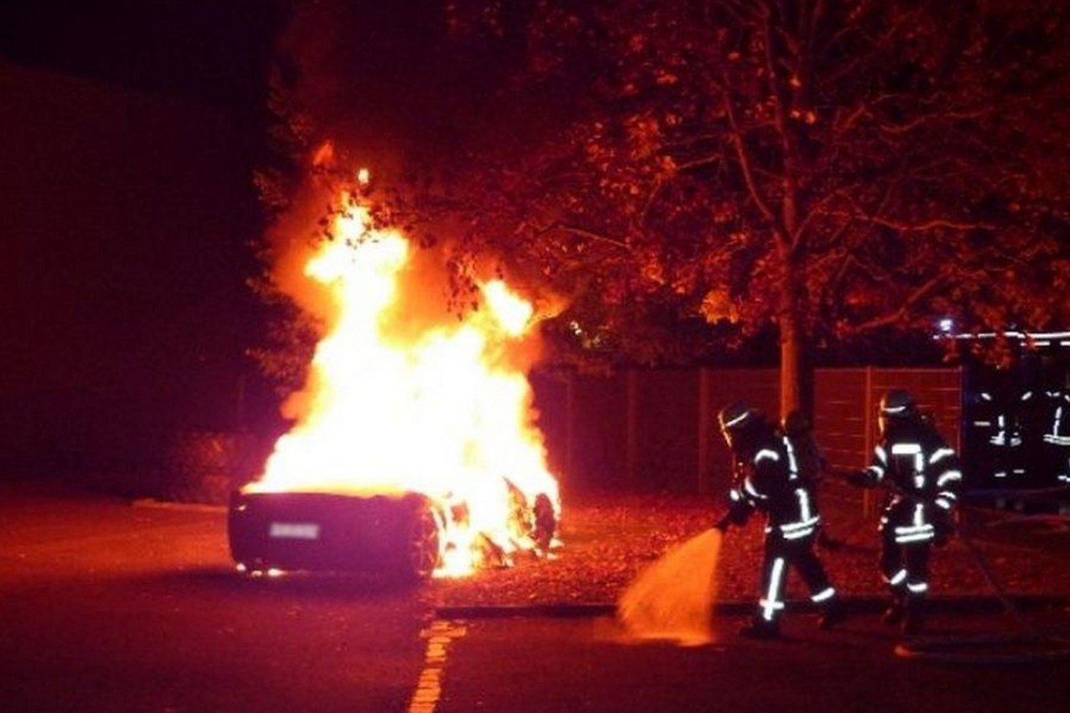 Teenager sets fire to Ferrari 458 – because he wanted a Speciale A