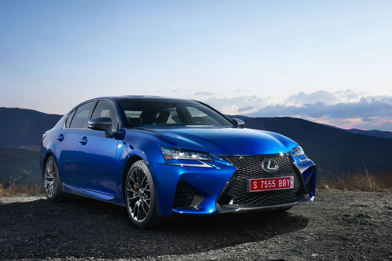 Lexus_GS-F_Blue_08