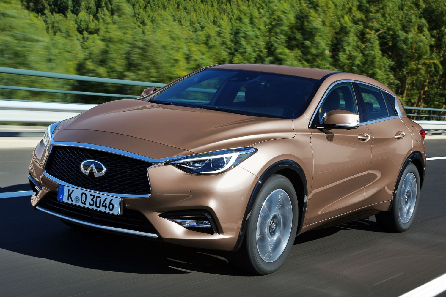 Infiniti Q30 review: 2015 first drive