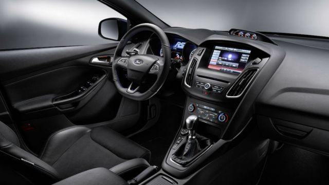 2016 Ford Focus RS: On the inside