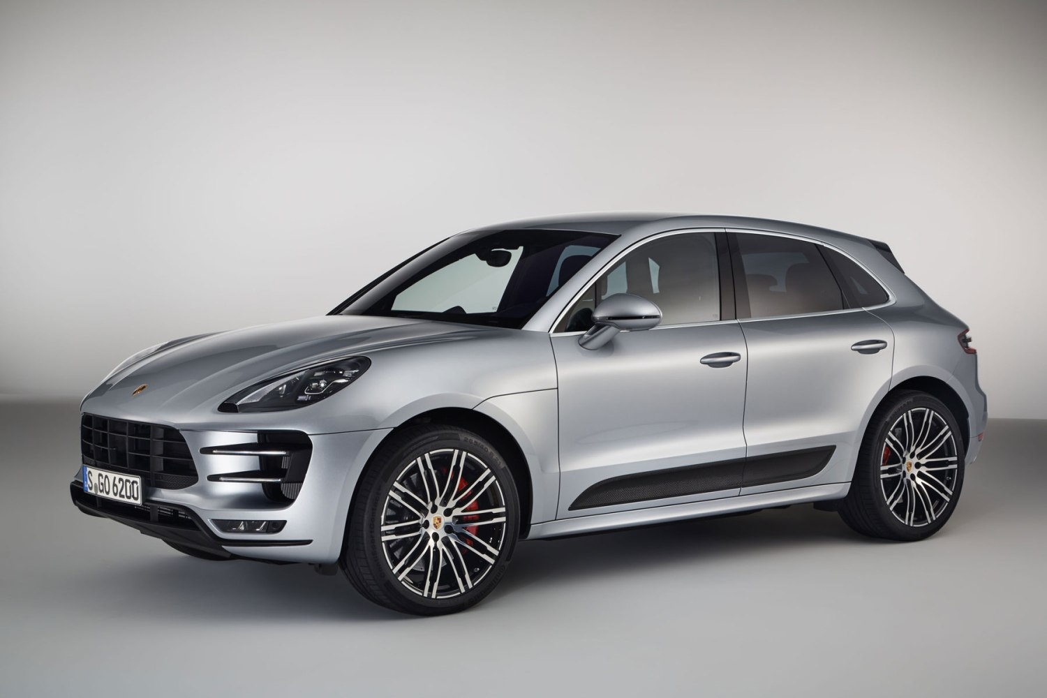 Porsche Macan Turbo Performance Package upgrade