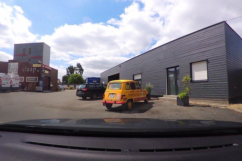 ConnectedCAM Renault 4