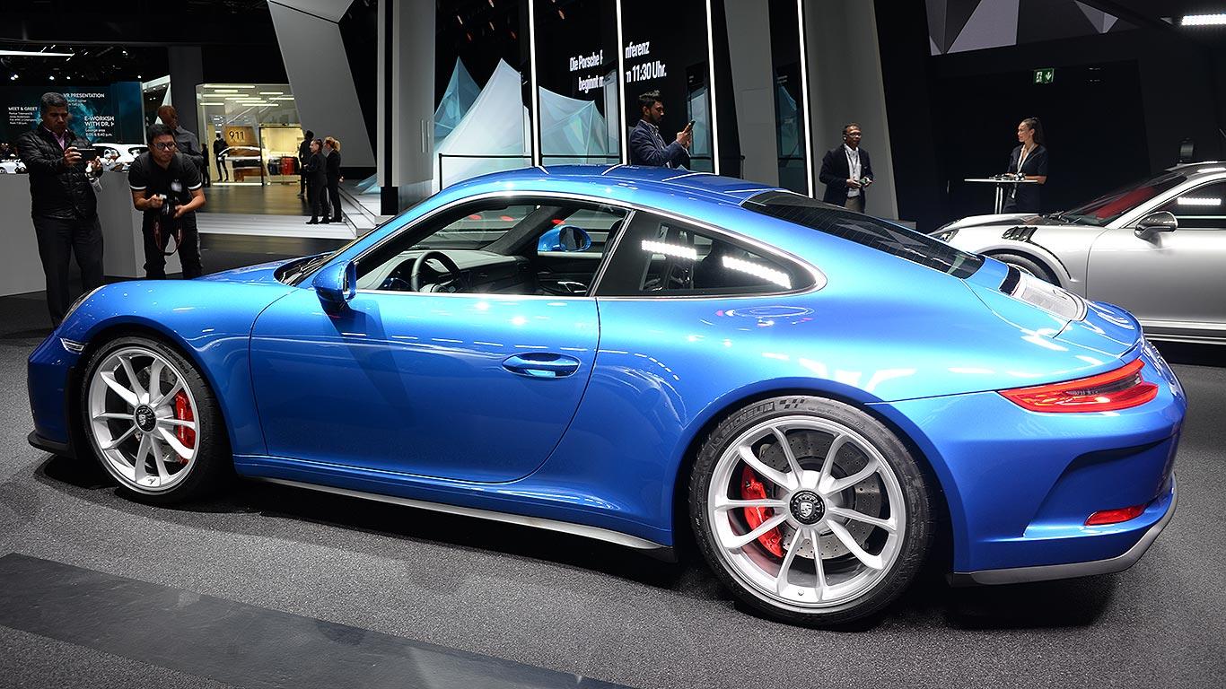 Porsche upsets 911 R owners