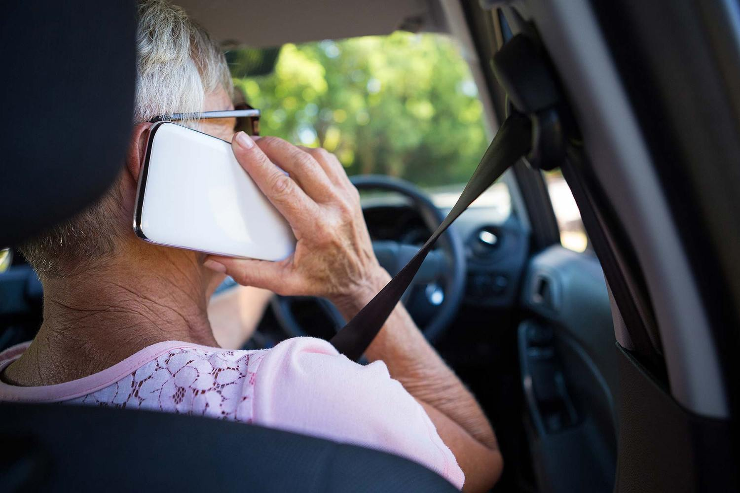 Illegal mobile phone use while driving