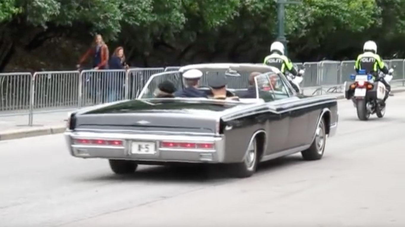 Royal wedding cars of the world