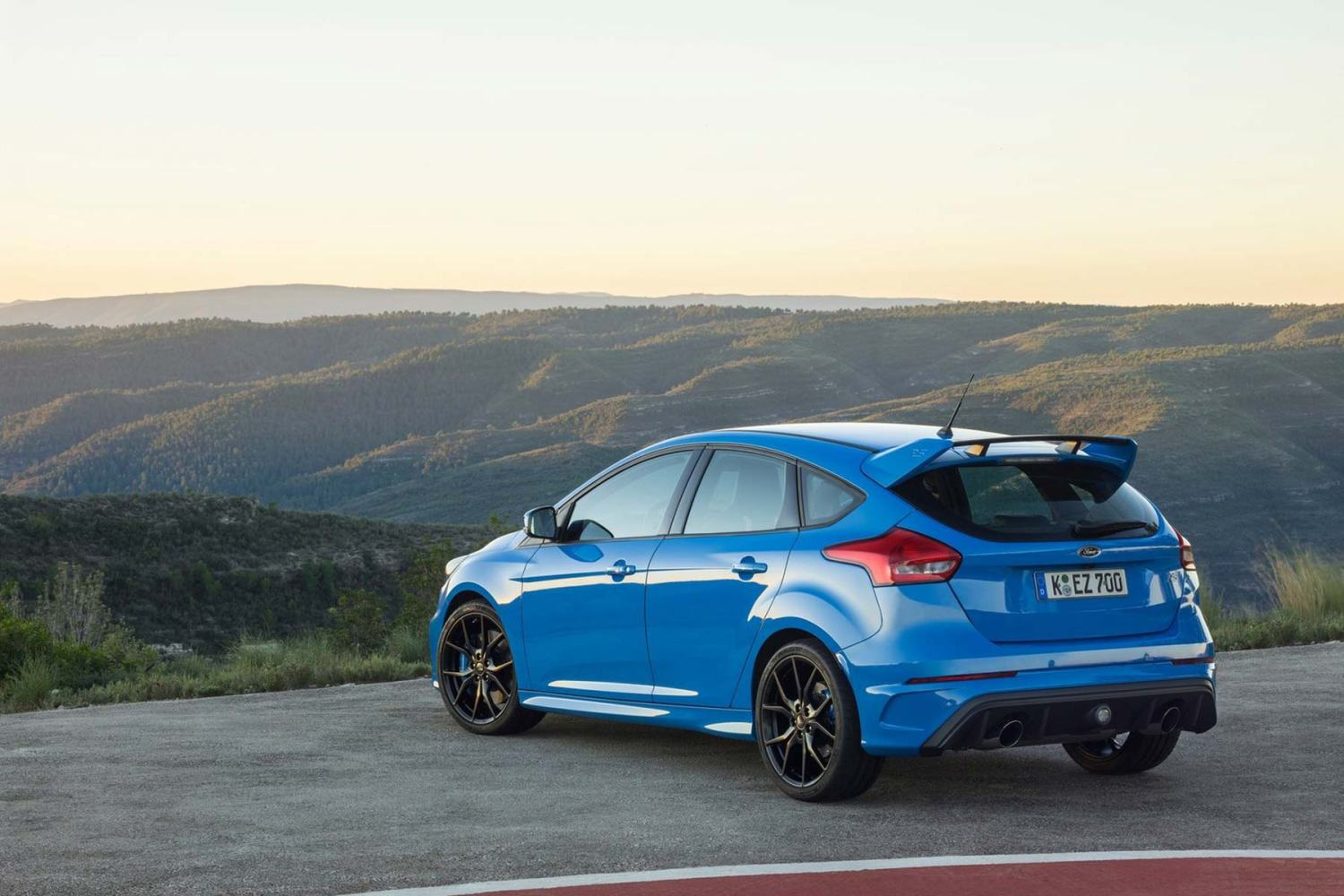 Outrospective Ford Focus RS