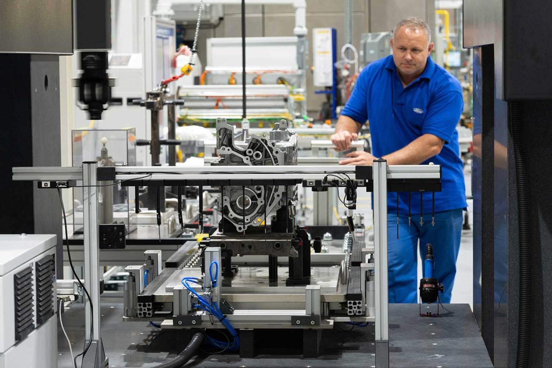 Ford Bridgend begins building the new Dragon engine