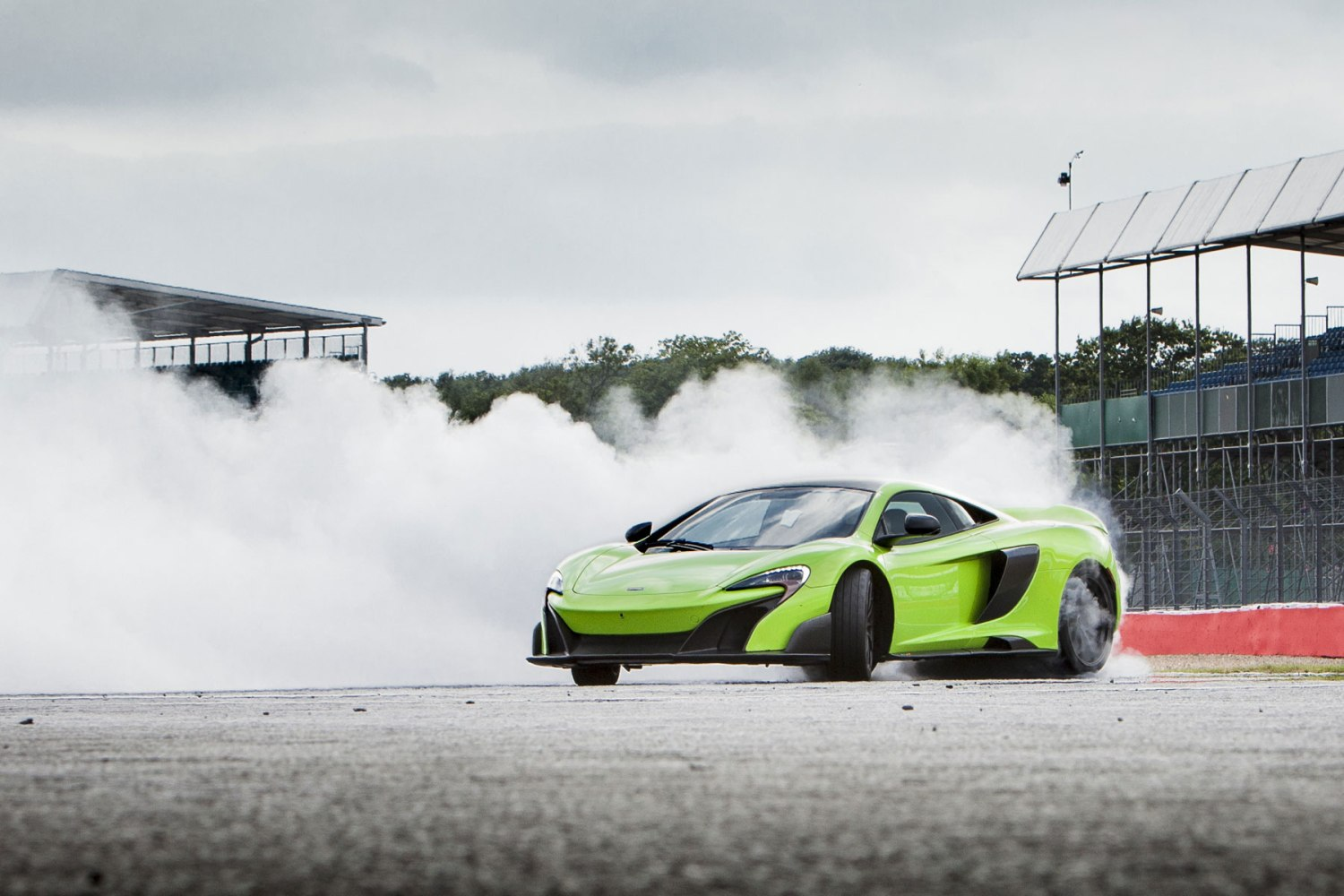 McLaren 675LT – 2.9 seconds