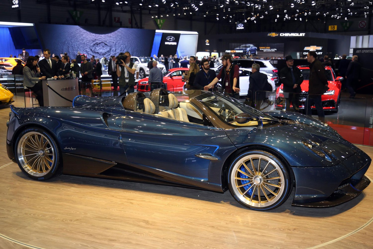 Pagani Huayra Roadster – 2.9 seconds