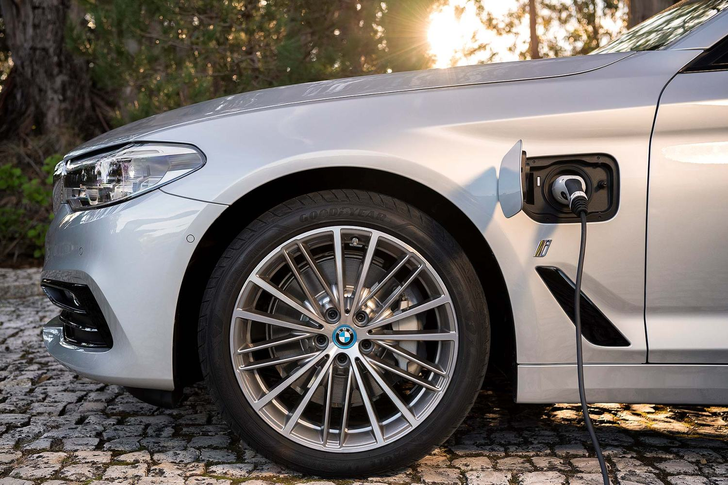 BMW 530e iPerformance plug-in hybrid