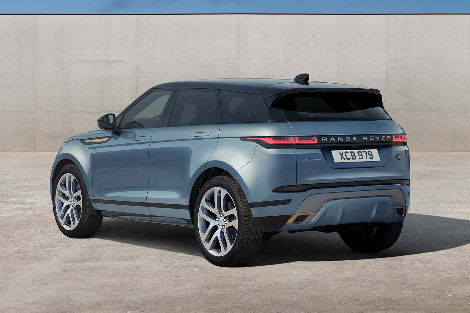 2019 Range Rover Evoque MK2: Redesign, Changes, Price >> New 2019 Range Rover Evoque Revealed And Ordering Is Open