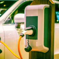 Should plug-in hybrids be banned from motorway service car chargers?