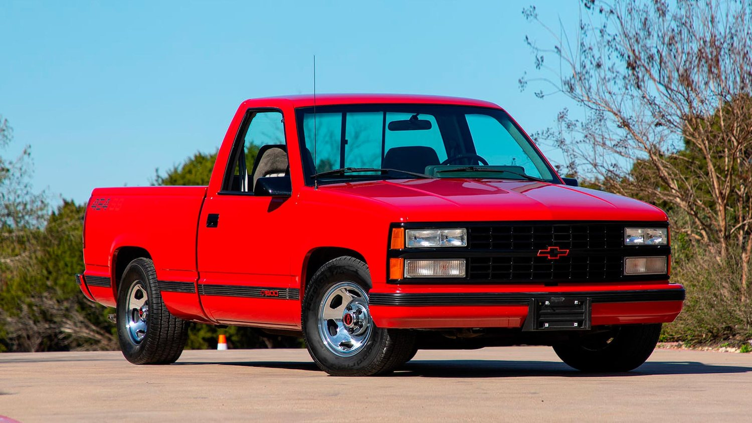 Ford and Chevy muscle trucks hit the block in Houston | Motoring