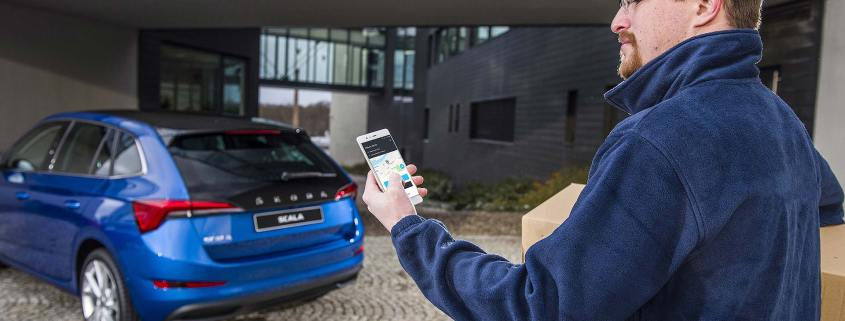 Delivering online purchases to the boot of a Skoda Scala