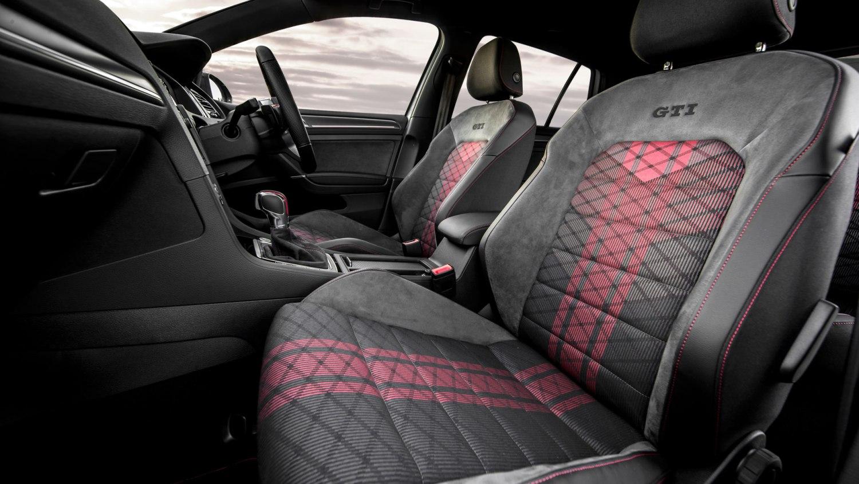 Volkswagen Golf GTI TCR seats