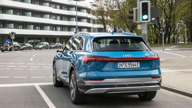 Audi traffic light information Europe