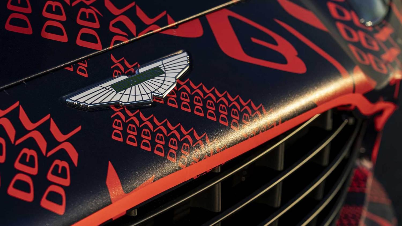 Aston Martin DBX Welsh wrap