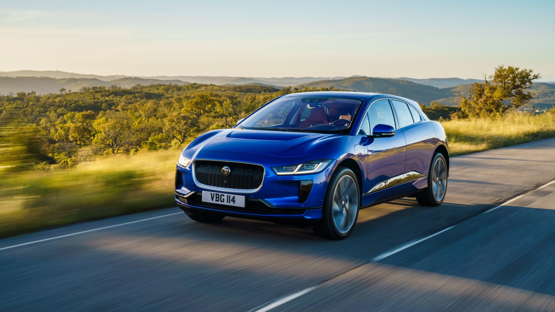 Jaguar Land Rover to make cars out of plastic waste