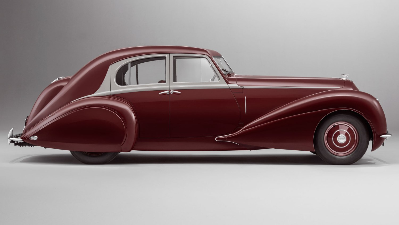 Bentley Corniche profile