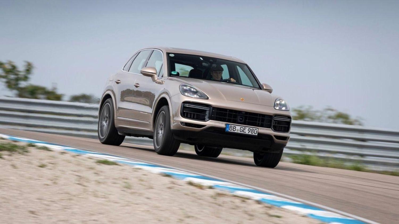Porsche Cayenne sets rally lap record