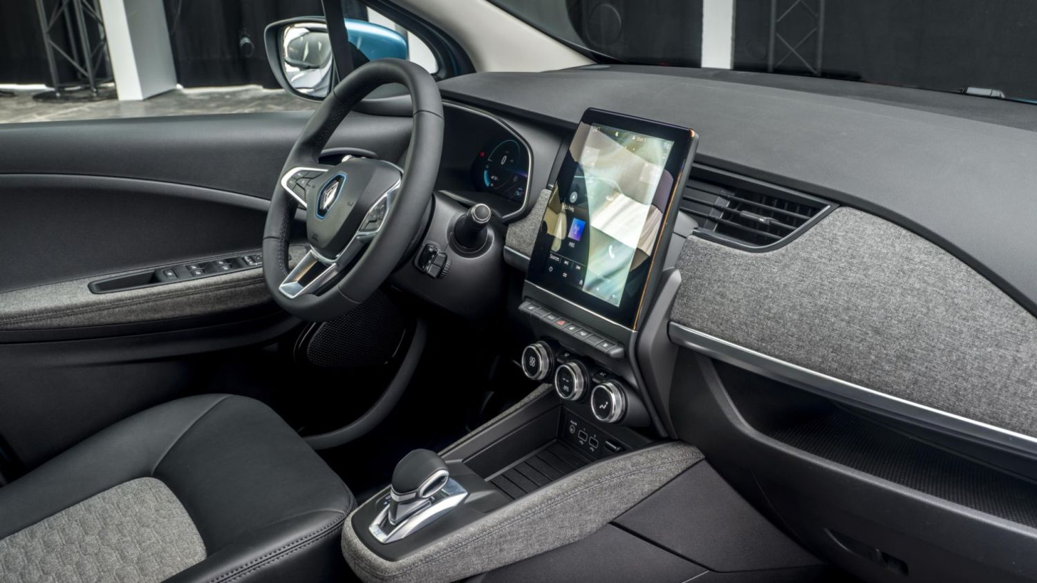 Renault Zoe 100 percent recyclable material cabin