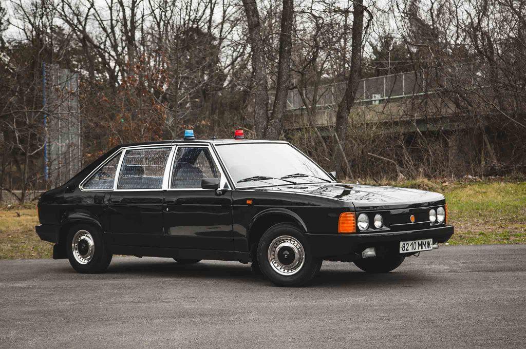A 1989 Tatra T613