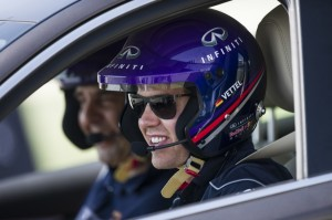 24488_Vettel_drives_Infiniti_Q50_in_Abu_Dhabi